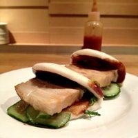 Foto tirada no(a) Momofuku Noodle Bar por catty em 12/27/2012
