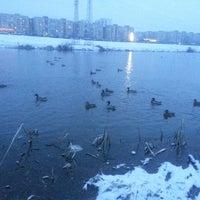 รูปภาพถ่ายที่ Троєщинський канал โดย Владимир К. เมื่อ 3/10/2013
