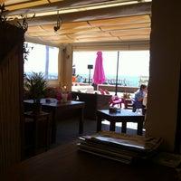 Foto diambil di El Gato Lounge oleh Pablo Manuel Z. pada 5/4/2013