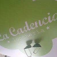 Foto tirada no(a) La Cadencia Lonchería por Pau D. em 4/20/2013