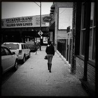 Das Foto wurde bei Paramount Room von Nicholas A. am 1/12/2013 aufgenommen