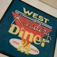 Foto tirada no(a) West Reading Diner por Sean D. em 9/28/2012