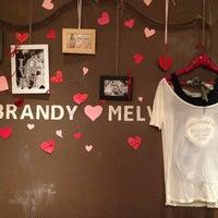 Photo prise au Brandy & Melville par MargoRita le5/27/2013