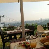 5/12/2013 tarihinde Sinem B.ziyaretçi tarafından Doğatepe Restaurant'de çekilen fotoğraf