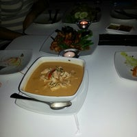Das Foto wurde bei Beau Thai von Jeanine C. am 11/3/2012 aufgenommen