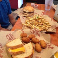 Photo taken at Main Street Burgers by Alix on 7/11/2013