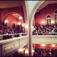 Foto scattata a Sixth & I Historic Synagogue da Becca F. il 10/18/2012