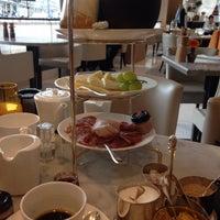 Das Foto wurde bei Romanisches Café von AF_Blog am 4/16/2016 aufgenommen