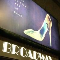 Foto tirada no(a) Broadway Theatre por Michael B. em 2/6/2013