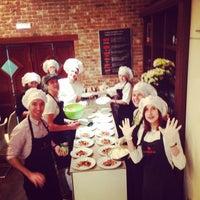 Foto diambil di Кулинарная студия Mandarin gourmet oleh Ilya F. pada 11/24/2014