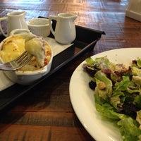 Das Foto wurde bei Small Talk Cafe von fabio m. am 7/3/2013 aufgenommen