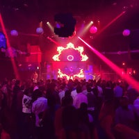 Foto scattata a Lava Nightclub at Turning Stone Resort Casino da Christopher H. il 3/8/2015