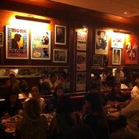 Foto tirada no(a) Le Jazz Brasserie por Lia A. em 1/10/2013