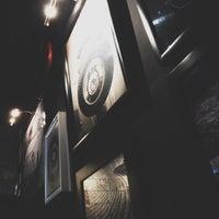 Foto scattata a 360 Degrees Artisan Pizza & Winebar da Samir D. il 9/26/2015