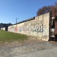 Снимок сделан в Мемориальный комплекс «Берлинская стена» пользователем Witse H. 3/27/2017