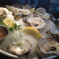 Foto tirada no(a) Pappadeaux Seafood Kitchen por Sandra E. em 4/27/2013