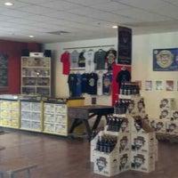 9/7/2013에 Shane B.님이 Shmaltz Brewing Company에서 찍은 사진