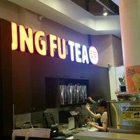 Foto tirada no(a) Kung Fu Tea por Mike em 4/16/2016