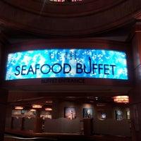 Foto tirada no(a) Buzios Seafood Restaurant por Ferez K. em 9/14/2012