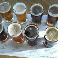 รูปภาพถ่ายที่ Monkish Brewing Co. โดย Jim T. เมื่อ 1/13/2013