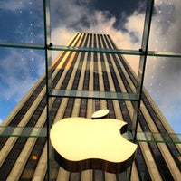 Foto scattata a Apple Fifth Avenue da Milko R. il 7/26/2013