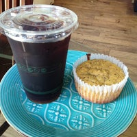 Photo prise au Island Brew Coffeehouse par Patrick W. le6/10/2013