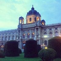 5/2/2013 tarihinde 📷Svetlana B.ziyaretçi tarafından Maria-Theresien-Platz'de çekilen fotoğraf