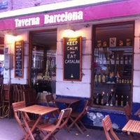 Foto tirada no(a) Taverna Barcelona por Harry M. em 7/31/2013