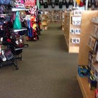 1/21/2014にMynam V.がBedrock City Comic Co.で撮った写真