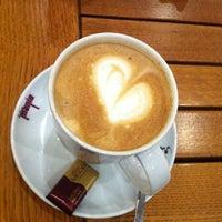 Das Foto wurde bei Coffeemania von Hasan Zeki G. am 2/5/2013 aufgenommen