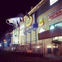 Foto tirada no(a) New York City Center por Fabiano B. em 12/21/2012