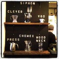 Foto tomada en Mission Coffee Co. por Matthew W. el 12/8/2012