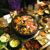 Photo prise au Hae Jang Chon Korean BBQ Restaurant par Megan D. le11/27/2012