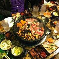 Foto tomada en Hae Jang Chon Korean BBQ Restaurant por Megan D. el 11/27/2012