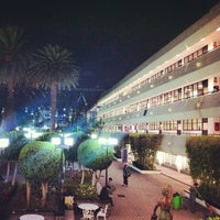 รูปภาพถ่ายที่ Universidad La Salle โดย Andrés R. เมื่อ 3/5/2013