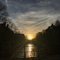 4/17/2018 tarihinde Amber R.ziyaretçi tarafından Reguliersgracht'de çekilen fotoğraf