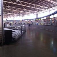 Foto tomada en Terminal de Buses San Borja por Maria luisa C. el 4/28/2013
