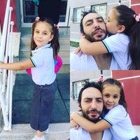 Foto tomada en Hüseyin Güllü Ceylan ilkokul por Talip T. el 9/19/2016
