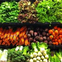 4/28/2013にElias Z.がWhole Foods Marketで撮った写真