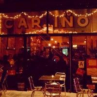 Foto tomada en Cariño Restaurant and Cantina por Niki C. el 4/26/2013