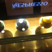 Снимок сделан в Nespresso Boutique пользователем Sander B. 12/15/2012