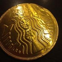 Photo prise au Starbucks par Zeynep A. le10/5/2012