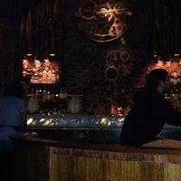 Foto scattata a Victoria Brown Bar da Sandy D. il 8/1/2014