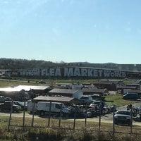 Photo prise au World's Awesome Flea Market par Julia W. le11/25/2017