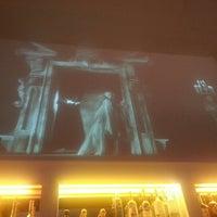 2/12/2013 tarihinde Jessica M.ziyaretçi tarafından Le Midi Bar & Restaurant'de çekilen fotoğraf