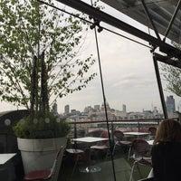 รูปภาพถ่ายที่ Oxo Tower Restaurant โดย Dana A. เมื่อ 5/15/2015