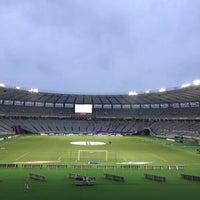 Das Foto wurde bei 味の素スタジアム ホーム側ゴール裏 von MASA O. am 7/17/2013 aufgenommen