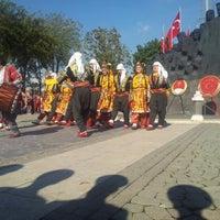 10/28/2012にVeli G.がDemokrasi Meydanıで撮った写真