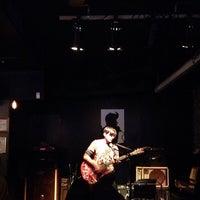 รูปภาพถ่ายที่ Bar4 โดย Van S. เมื่อ 5/25/2013