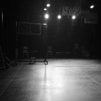 Das Foto wurde bei New Ohio Theatre von Van S. am 9/7/2014 aufgenommen